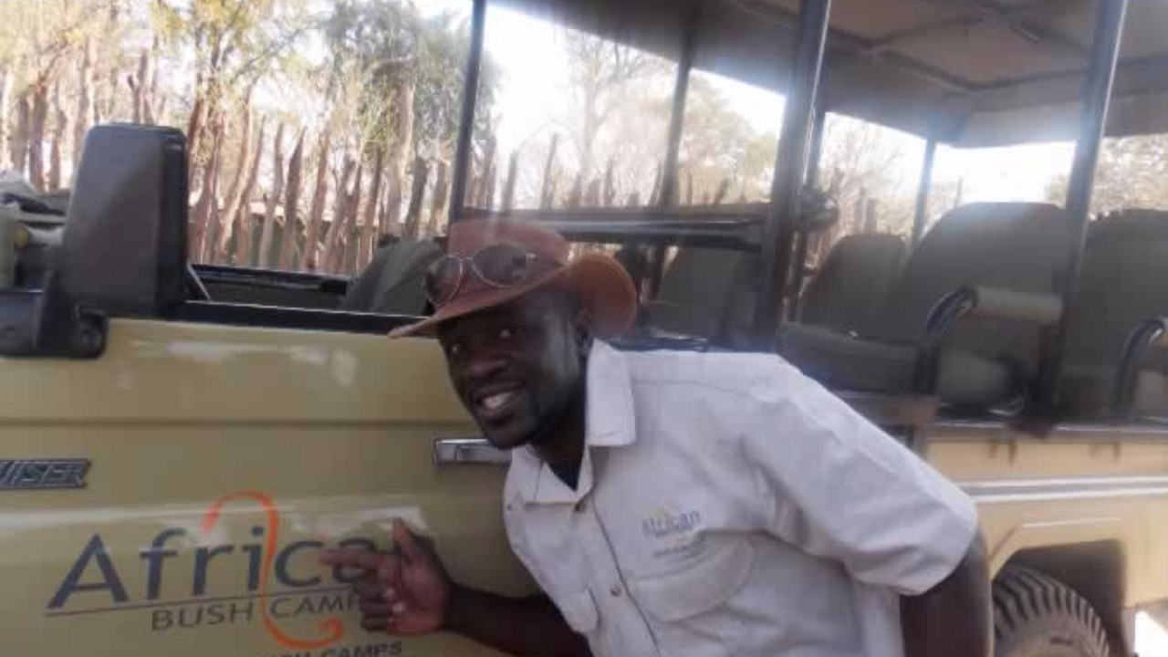 Wilson-Venda Matengu, Guide African bush camp and child Spec
